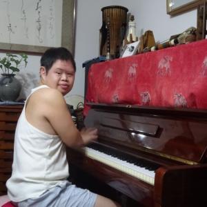 日課のピアノ