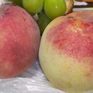 桃と葡萄!