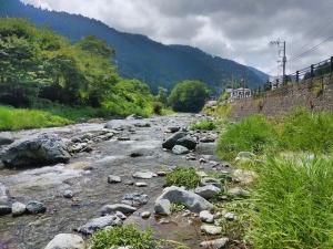 お盆前の道志川