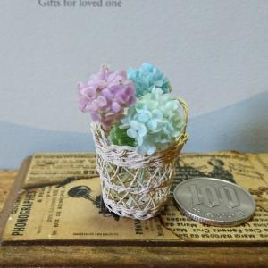 三色紫陽花の透かし編みバスケット…
