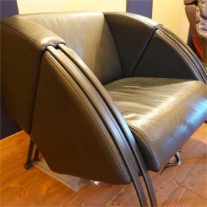 椅子を代える