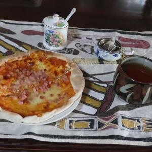 朝からピザ!!