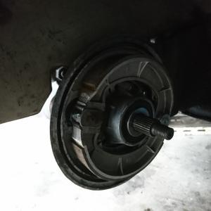 ラビット、リヤタイヤのシム調整