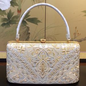 セミフォーマル~フォーマルにおすすめのバッグ