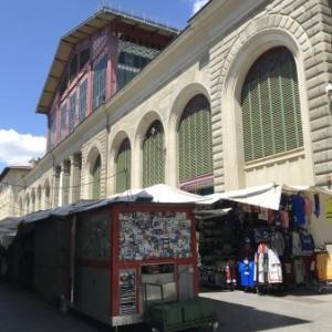 2021年8月号 : フィレンツェ中央市場L'Angolo dei Sapori