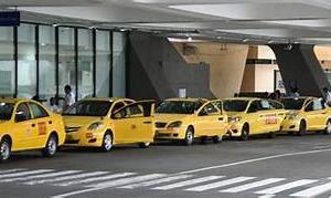 相次ぐマニラ空港 ボッタクリタクシーにご注意