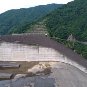 徳山ダムにて