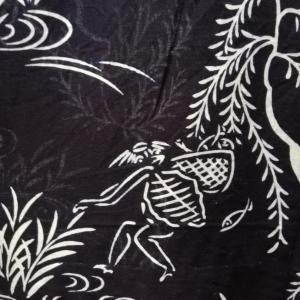 【浴衣観察】浴衣に描かれたカッパの物語「お魚いっぱい」「釣りをする河童」♪
