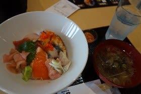 四季彩館妙高で海鮮丼!