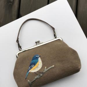 ルリビタキの刺繍がま口バッグができました。