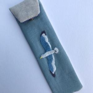 カモメの刺繍ペンケースを作りました。