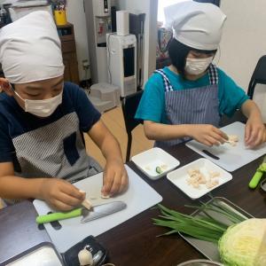 7/25のレッスン!仲良し兄妹でお料理♪餃子作り最終日☆中華ポテトは蜜が決め手です!