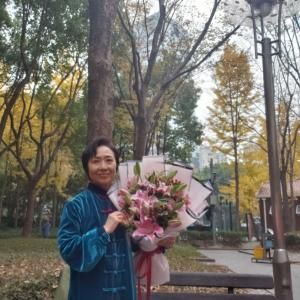 上海外滩 で結婚31周年を祝う
