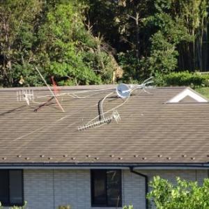 台風によるアンテナの倒壊