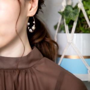 ランダムなパールがおしゃれ♥【Un】ロンドパールフープピアス(ゴールド)☆彡