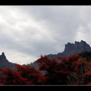 紅葉と妙義山