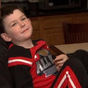 5歳の男の子、火事が起こった自宅から家族と飼い犬を救い出す(アメリカ)