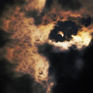 部分日食がこの後すぐ!日本全国で午後4時から6時半頃まで天体ショーが始まるよ!
