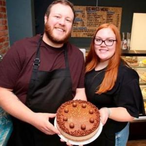ピンチがチャンスに!新型コロナで休職となった男性、彼女の誕生日に作ったケーキがきっかけでケーキ店をオープン