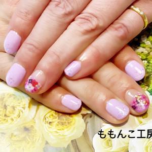 ピンクとビビットピンク