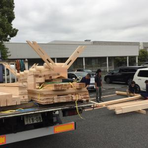 三重で土俵風呂屋根建て方