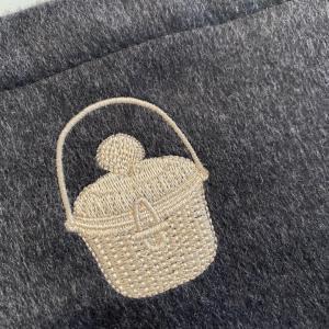 ナンタケットバスケット刺繍 カシミヤ 巾着 新発売