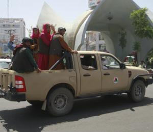 頑丈の証し。アフガニスタンでも活躍するトヨタ車