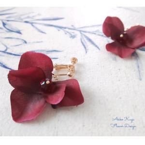 フラワーアクセサリー 花びらひらひら赤系
