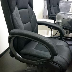 椅子を全てハイバックのエグゼクティブチェアに入れ替えました