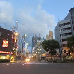 早朝、日本橋から難波方面を望む。 【2017年08月 大阪府大阪市】