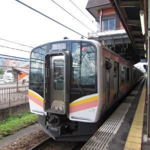 浦佐駅に到着した、水上行き普通列車。 【2018年8月 新潟県南魚沼市】