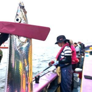 永井インストラクターを偲びながら、タチウオ釣りする。