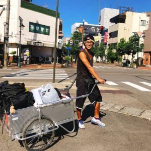 リアカーで日本縦断中。昨年第11回参加者の塚本くんが鯖江通過!