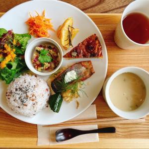 自家製ハーブを使った料理にハーブティが楽しめる、竹田にあるハーブカフェ「鈴廼園」