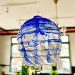 小樽ガラスの風鈴。夏の暑さをちょっと涼しげにするガラス模様と音色。