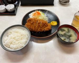 蒲田まるやま食堂のとんかつ