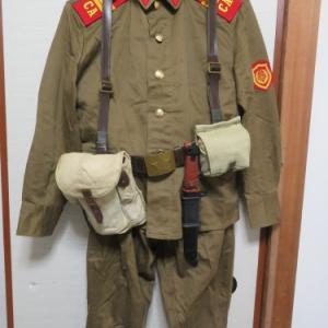 赤い国の戦闘装備