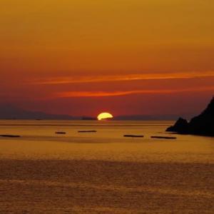 鳴門海峡に沈む夕日