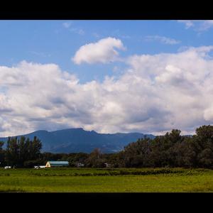 手稲山と農村風景