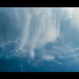 雲、乱舞する。
