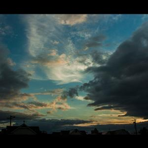芸術的な空模様