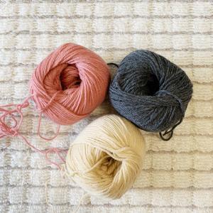 【2020年作品展に出そう】③毛糸の色の組み合わせに悩む
