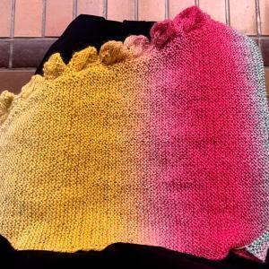 風工房さんの『まきものいろいろ』ショールを編み始めました。