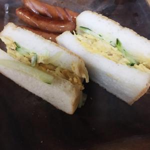 米粉100%グルテンフリーの食パンでサンドイッチ