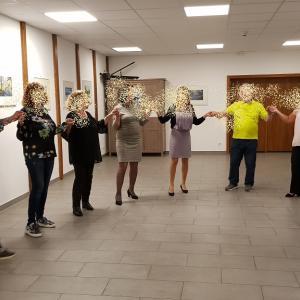 ギリシャのダンスに挑戦