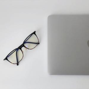 Zoffのブルーライトカット眼鏡を1年使用してわかった効果をレビュー