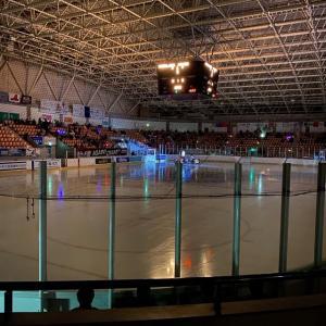 釧路の観光でアイスホッケーのプロリーグを観てみよう!!!