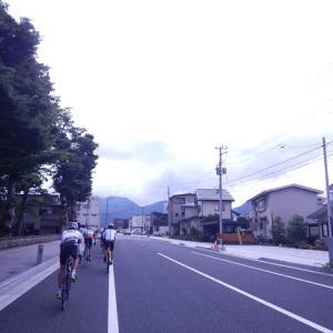 蒸し暑いですが自転車で山寺へ