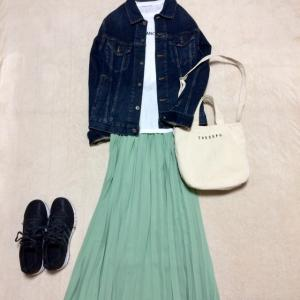 La-gemmeミントグリーンプリーツスカート+adidasスニーカー