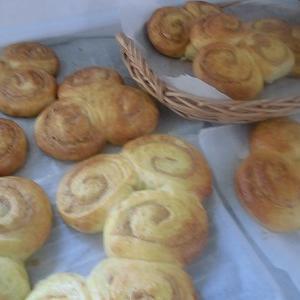 ピーナツパン (犬仲間でパン作り) No1